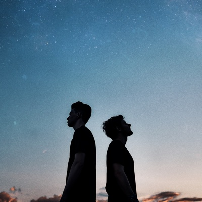 Gravitation (feat. Isaac Delusion) - Petit Biscuit & Møme song