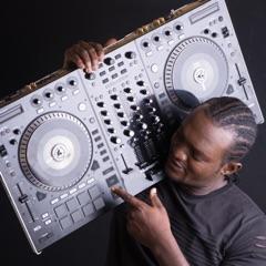 DJ KLAXS
