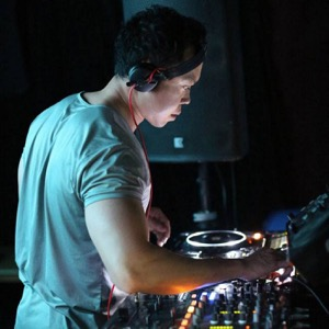 Andrew Ong - Connoisseur of quality underground dance music. Join me monthly as I curate a fine selection of House and Techno