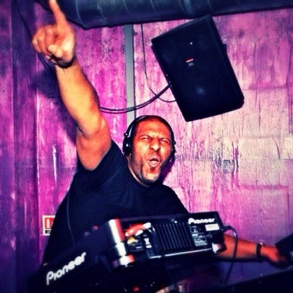 DJ WAYNE RITCHIE