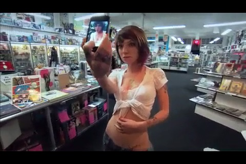 Seduce a SuicideGirl screenshot-3
