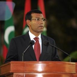 Raees Meeha - President Nasheed (Anni)
