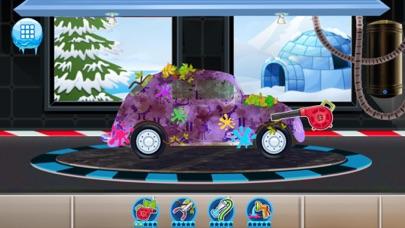 Santa's Car Wash Screenshot on iOS