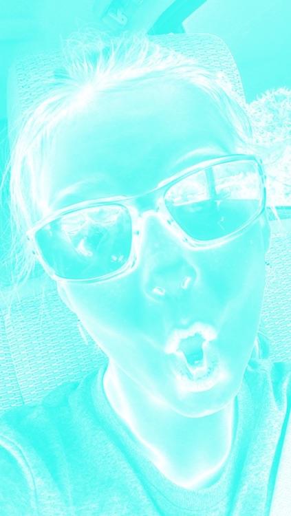 Blue and White Selfie Fan Cam