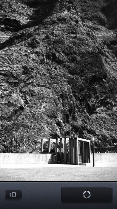 Vint B&W MII - Black and White camera screenshot three