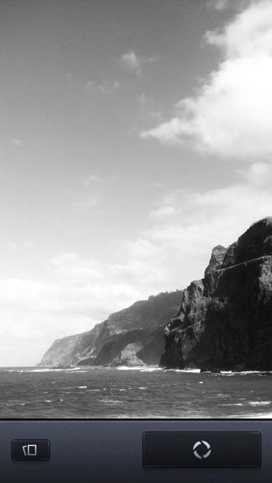 Vint B&W MII - Black and White camera screenshot one