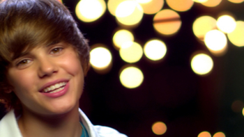 Justin Bieber One Less Lonely Girl (Video) music review