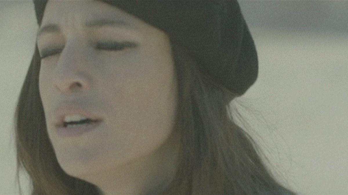 Resultado de imagem para Carminho - As Pedras Da Minha Rua [Official Music Video]