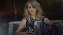 Gott is a Dirndl Melissa Naschenweng German Pop Music Video 2018 New Songs Albums Artists Singles Videos Musicians Remixes Image