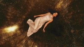 Gold Jasmin Wagner German Pop Music Video 2021 New Songs Albums Artists Singles Videos Musicians Remixes Image