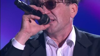 Рюмка водки на столе (Live in Crocus City Hall 05.12.2012)