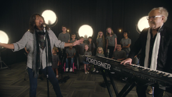 Foreigner I Want to Know What Love Is (featuring Shriners Hospitals Kids Choir) music review