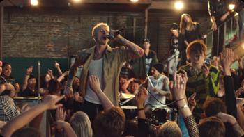 Machine Gun Kelly, YUNGBLUD & Travis Barker I Think I'm OKAY music review