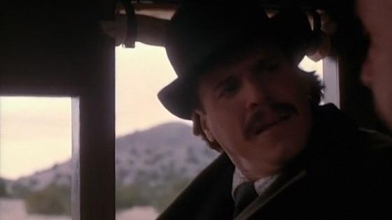 The Desperate Trail On Itunes Линда фиорентино обвиняется в убийстве своего мужа и сына шерифа сэма эллиота. itunes apple