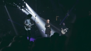 Alive in You (feat. Kim Walker-Smith) [Live]